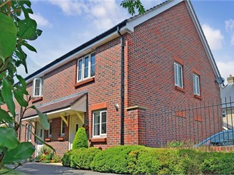2 bedroom end of terrace house in Fishbourne, Chichester