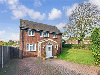 3 bedroom semi-detached house in Orpington