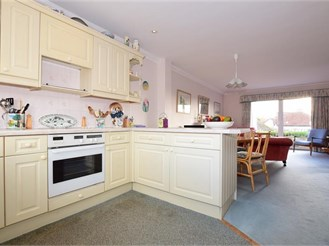 3 bedroom town house in Felpham