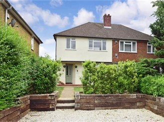 3 bedroom semi-detached house in Lower Kingswood, Tadworth