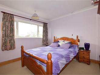 3 bedroom end of terrace house in Aldingbourne, Chichester