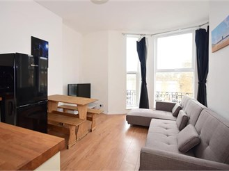 2 bedroom second floor flat in Margate