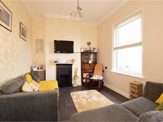 2 bedroom first floor apartment in Sandown