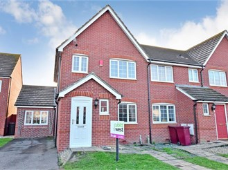 4 bedroom semi-detached house in Bracklesham Bay, Chichester