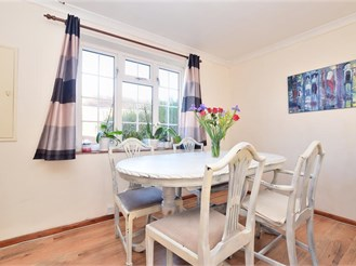 2 bedroom end of terrace house in Northgate, Crawley