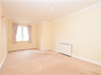 1 bed first floor retirement flat in Redhill