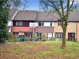 2 bedroom terraced house in Ifield, Crawley