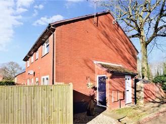 1 bedroom end of terrace house in Cottesmore Green, Crawley