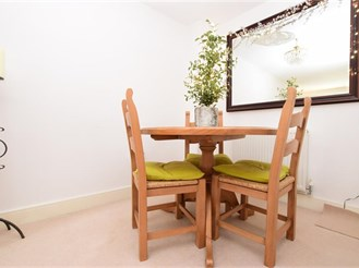 4 bedroom town house in Redhill