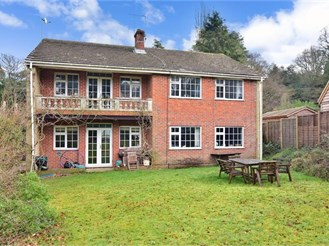 5 bedroom detached house in Liss