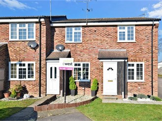 2 bedroom terraced house in Southwater, Horsham