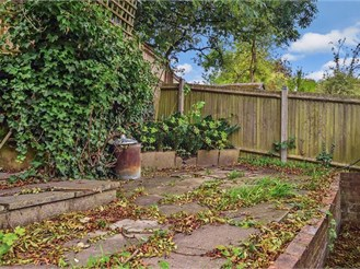 3 bedroom semi-detached house in Upper Norwood