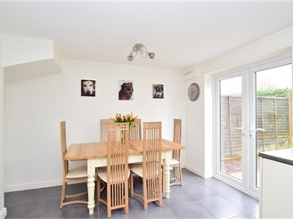 3 bedroom semi-detached house in Pease Pottage, Crawley