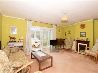 3 bedroom detached bungalow in Great Bookham