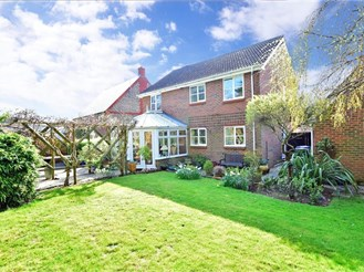 4 bedroom detached house in Cowfold, Horsham