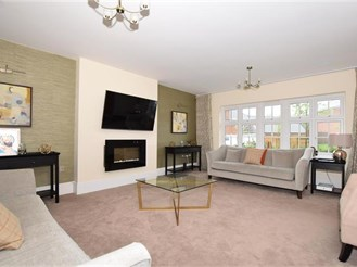 5 bedroom detached house in Ryarsh, West Malling