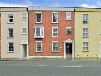 1 bedroom second floor flat in Portsmouth