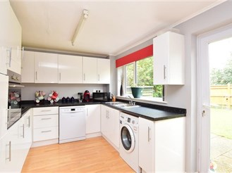 4 bedroom detached house in Pulborough