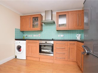 1 bedroom first floor flat in Whyteleafe