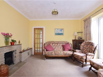 3 bedroom detached bungalow in Nutbourne, Chichester
