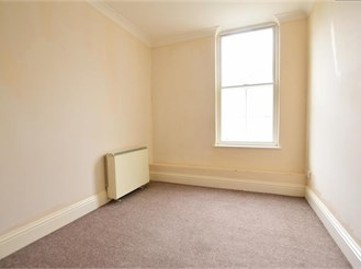 2 bedroom first floor flat in Dover