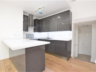 2 bedroom first floor apartment in Southgate, Crawley