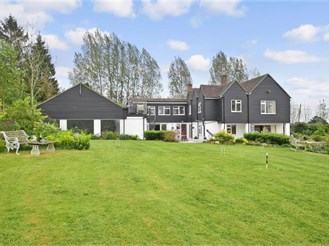 6 bedroom detached house in Yalding, Maidstone
