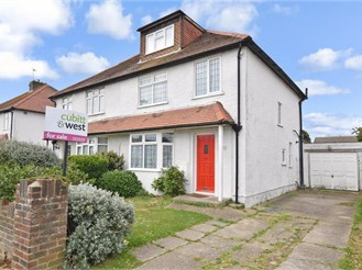 5 bedroom semi-detached house in Hayling Island