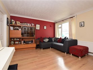 3 bedroom terraced house in Horley