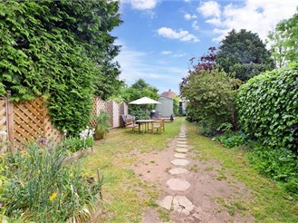 3 bedroom semi-detached house in Bexley