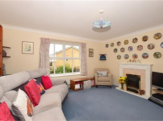 3 bedroom town house in Sutton