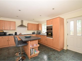 5 bedroom detached house in Aylesford
