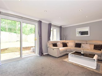 3 bedroom semi-detached house in Tollgate Hill, Crawley