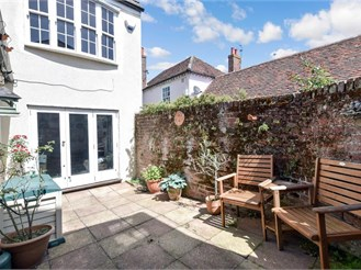 3 bedroom detached house in Emsworth