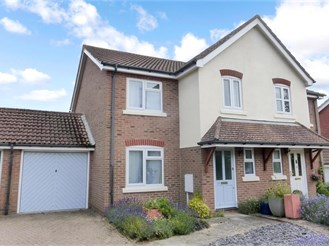 3 bedroom semi-detached house in Pulborough