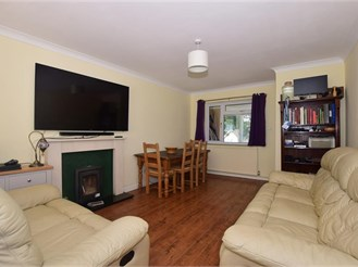 4 bedroom detached house in Fetcham, Leatherhead