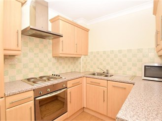 2 bedroom ground floor flat in East Grinstead