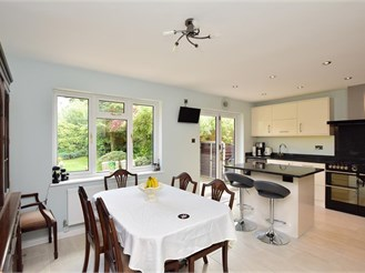 4 bedroom detached bungalow in South Nutfield, Redhill
