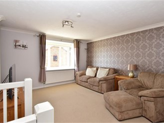 2 bedroom mews house in Southwater, Horsham