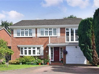 5 bedroom detached house in South Croydon