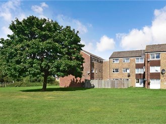 2 bedroom top floor flat in Horley