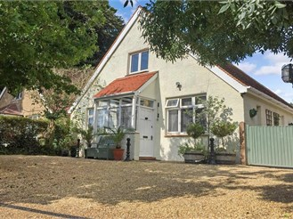 3 bedroom detached bungalow in Climping