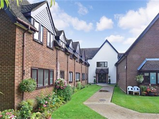 1 bedroom top floor retirement flat in Shirley, Croydon