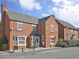 4 bedroom detached house in Angmering