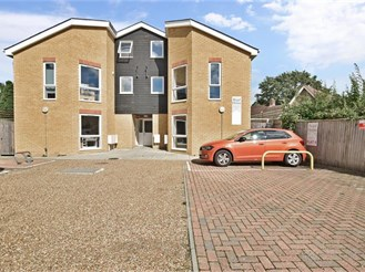 2 bedroom first floor apartment in Redhill