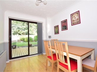 3 bedroom semi-detached house in Southwater, Nr Horsham