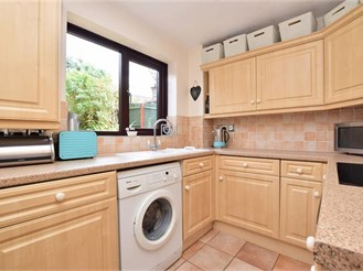 3 bedroom end of terrace house in Tadworth