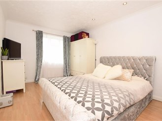 2 bedroom top floor flat in Brighton
