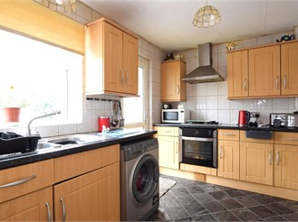 2 bedroom semi-detached house in Shoreham-By-Sea