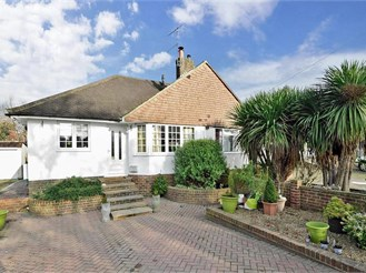 2 bedroom semi-detached bungalow in Pound Hill, Crawley